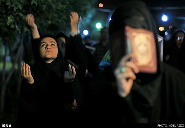 شب قدر در سراسر کشور (عکس)