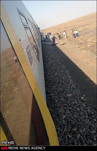 آتش گرفتن قطار سریع السیر یزد - تهران (+عکس)
