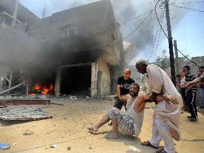 جنگ غزه: تایید کشته شدن 13 نظامی اسرائیل/ یک سرباز صهیونیست اسیر شد / 99 شهید فلسطینی در یک روز
