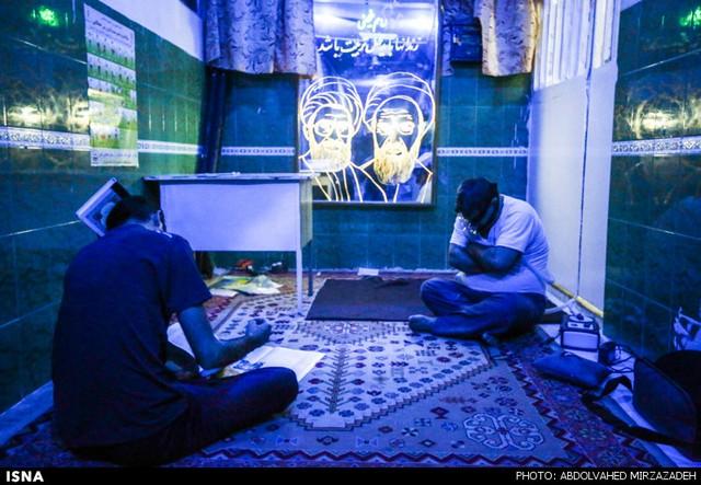 احیای شب بیست و سوم ماه رمضان (عکس)
