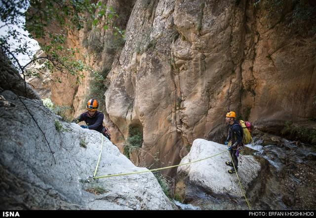 دره نوردی یک زن در شاهان دشت مازندران (عکس)