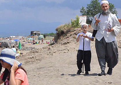 شنا کردن مختلط سواحل توریستی سواحل ترکیه زنان ترکیه دختران ترکیه استخر مختلط
