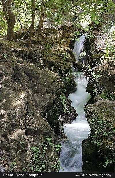 آبشار کاهکده - چهار محال و بختیاری (عکس)