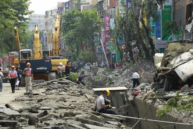 انفجار مرگبار لولههای گاز در تایوان (+عکس)