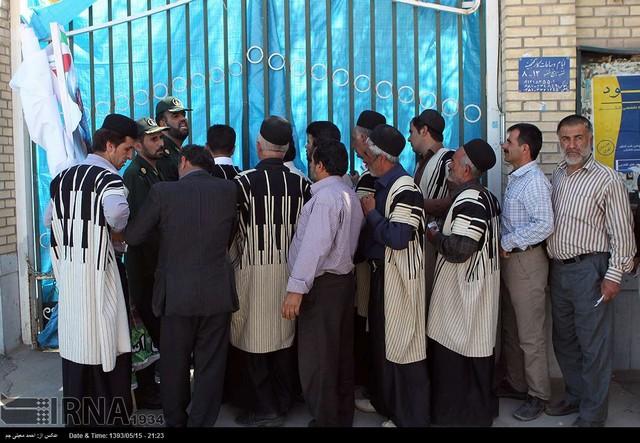 دیدار روستاییان و عشایر چهارمحال و بختیاری با روحانی (عکس)