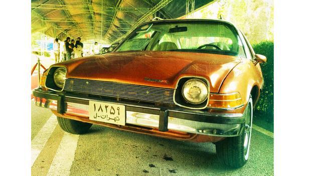 تصاویری از نمایشگاه خودروهای کلاسیک در تهران