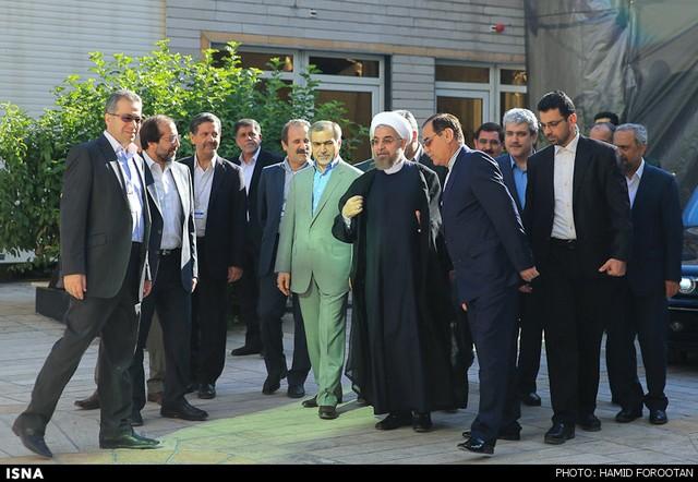 بازدید روحانی از پژوهشگاه رویان (عکس)