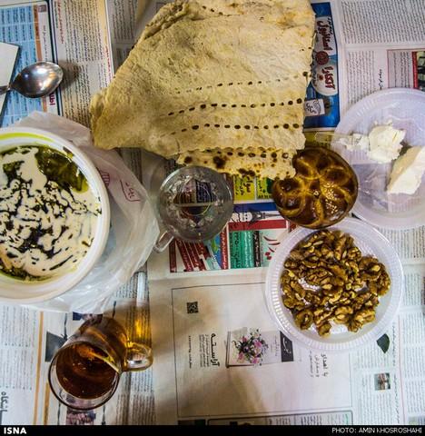به سادگی افطار ، به برکت رمضان (عکس)