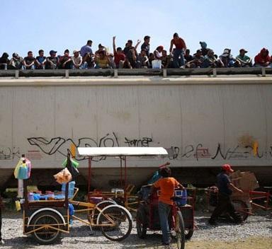قطاری به سمت شهر آرزوها! (+عکس)