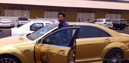 اولین مرسدس بنز طلایی وارد ایران شد (ع )