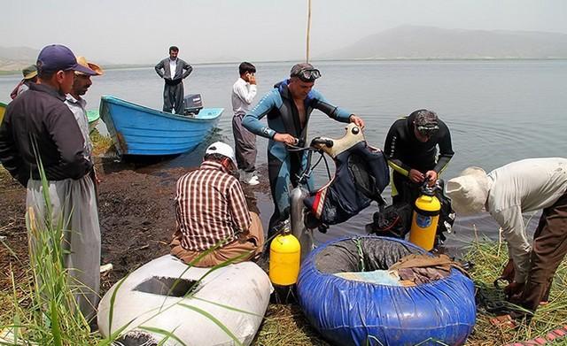 در جستجوی 2غرقشدۀ دریاچه زریوار - کردستان (عکس)