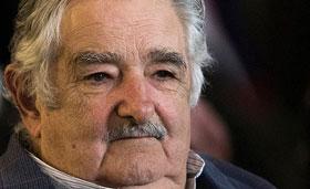 فقیر ترین رییس جمهور جهان : این چه دنیایی است / جایزه صلح نوبل را جمع کنند