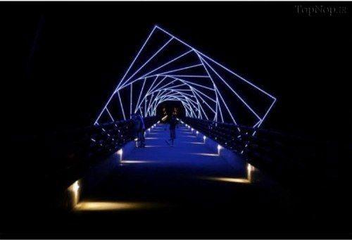 پلی با  طرحی حیرت انگیز در آمریكا (عکس)