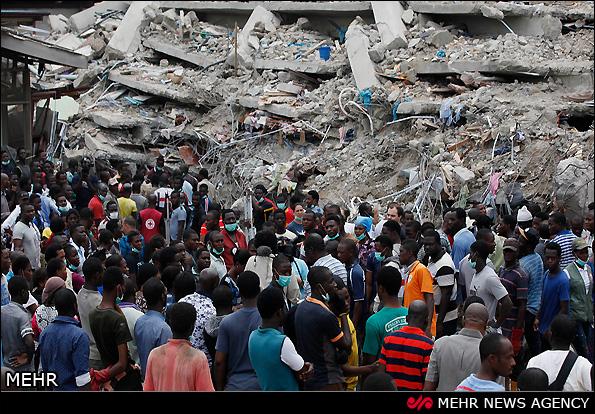 مرگ ده ها تن در حادثه ریزش ساختمان در نیجریه (عکس)