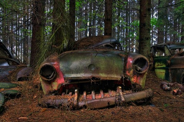 عجیب ترین پارکینگ دنیا (عکس)