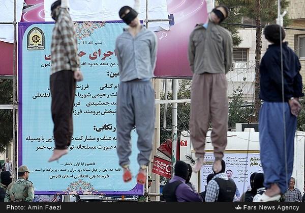 اجرای حکم اعدام متهمان آدم ربا و متجاوز به عنف در شیراز (عکس)