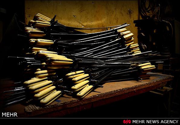 کارگاه ساخت و ساز ادوات و لباسهای تعزیه (عکس)