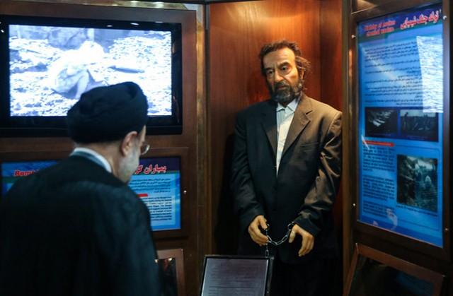 بازدید سیدمحمد خاتمی از موزه صلح (عکس)