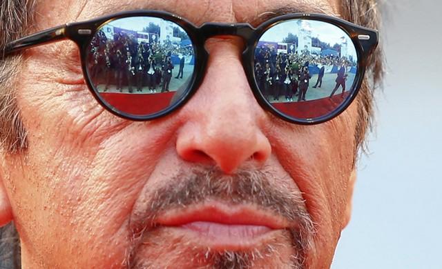 آلپاچینو روی فرش قرمز ونیز (عکس)