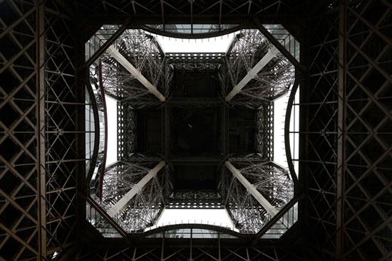 هیجان در طبقه شیشهای برج ایفل (+عکس)