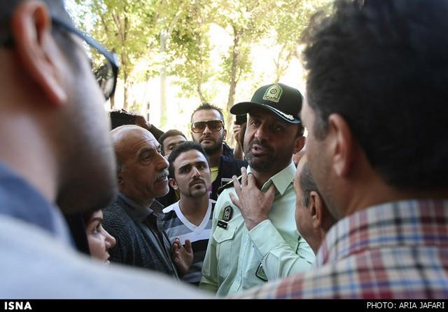 تجمع اصفهانی ها در اعتراض به اسیدپاشی های اخیر (عکس)