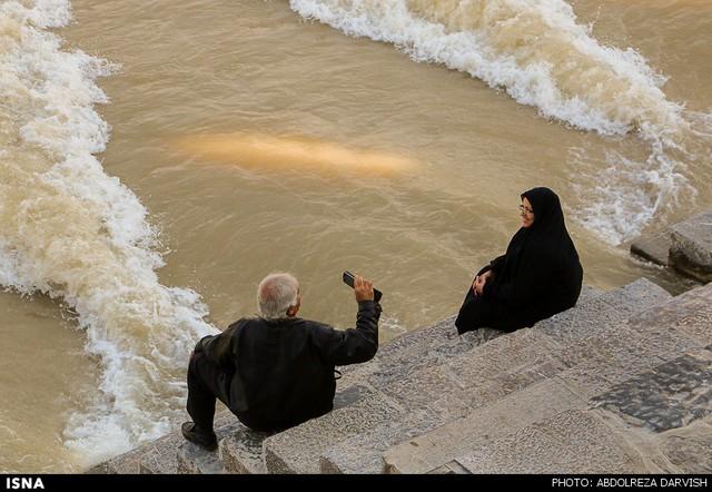 زاینده رود دوباره پر آپ شد (عکس)