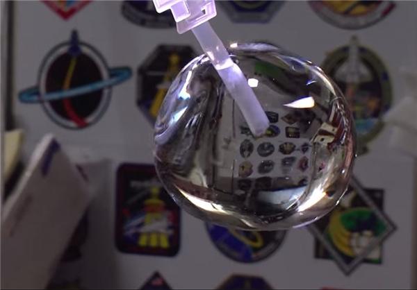 حباب آب در فضا+تصاویر