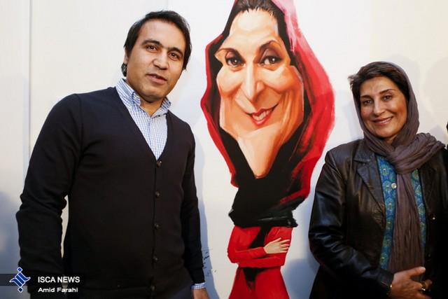 مهدوی کیا و رامبد جوان در کنار کاریکاتورهایشان (عکس)