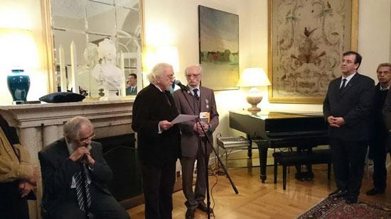 دولتآبادی نشان شوالیه هنر و ادب فرانسه را گرفت