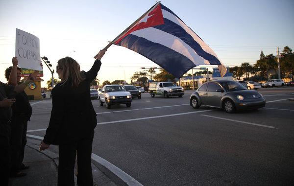 پایکوبی در هاوانا بعد از از سرگیری روابط آمریکا و کوبا(عکس)