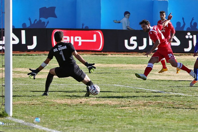 پرسپولیس به نیمه نهایی جام حذفی صعود کرد