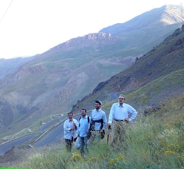 کوهنوردی علی لاریجانی در لاریجان (+عکس)