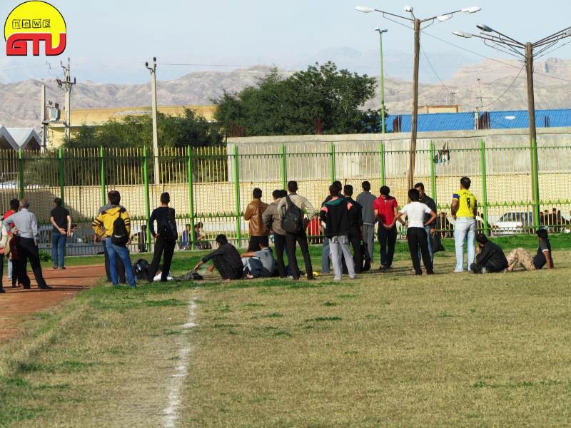 شلیک گلوله نیروی انتظامی در مسابقه فوتبال(+عکس)