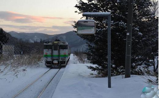 3 سال فعالیت خط قطار فقط به خاطر یک دانش آموز (+عکس)