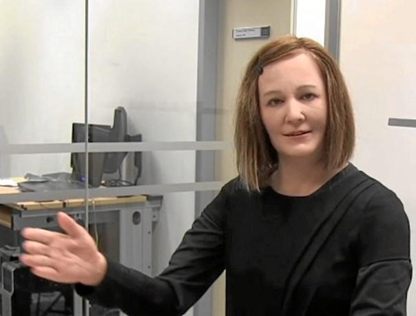 نادین؛ اولین ربات با شخصیت دنیا