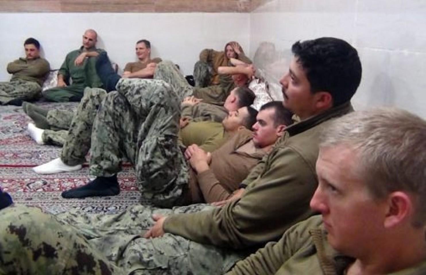 ملوانان آمریکایی در خاک ایران (عکس)