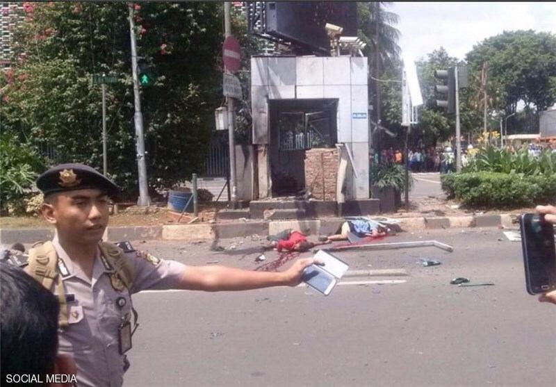 وقوع چندید انفجار تروریستی در جاکارتا پایتخت اندونزی (+عکس)