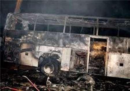 یک دستگاه اتوبوس در جاده بجنورد در آتش سوخت