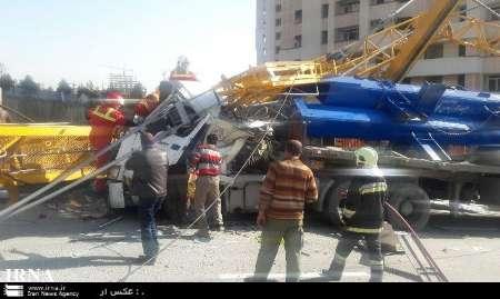 سقوط جرثقیل برج ساز در شهرک شهید باقری تهران