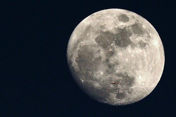 کشف تأثیر جاذبه ماه بر کاهش بارندگی زمین