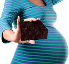 زنان باردار شکلات بخورند
