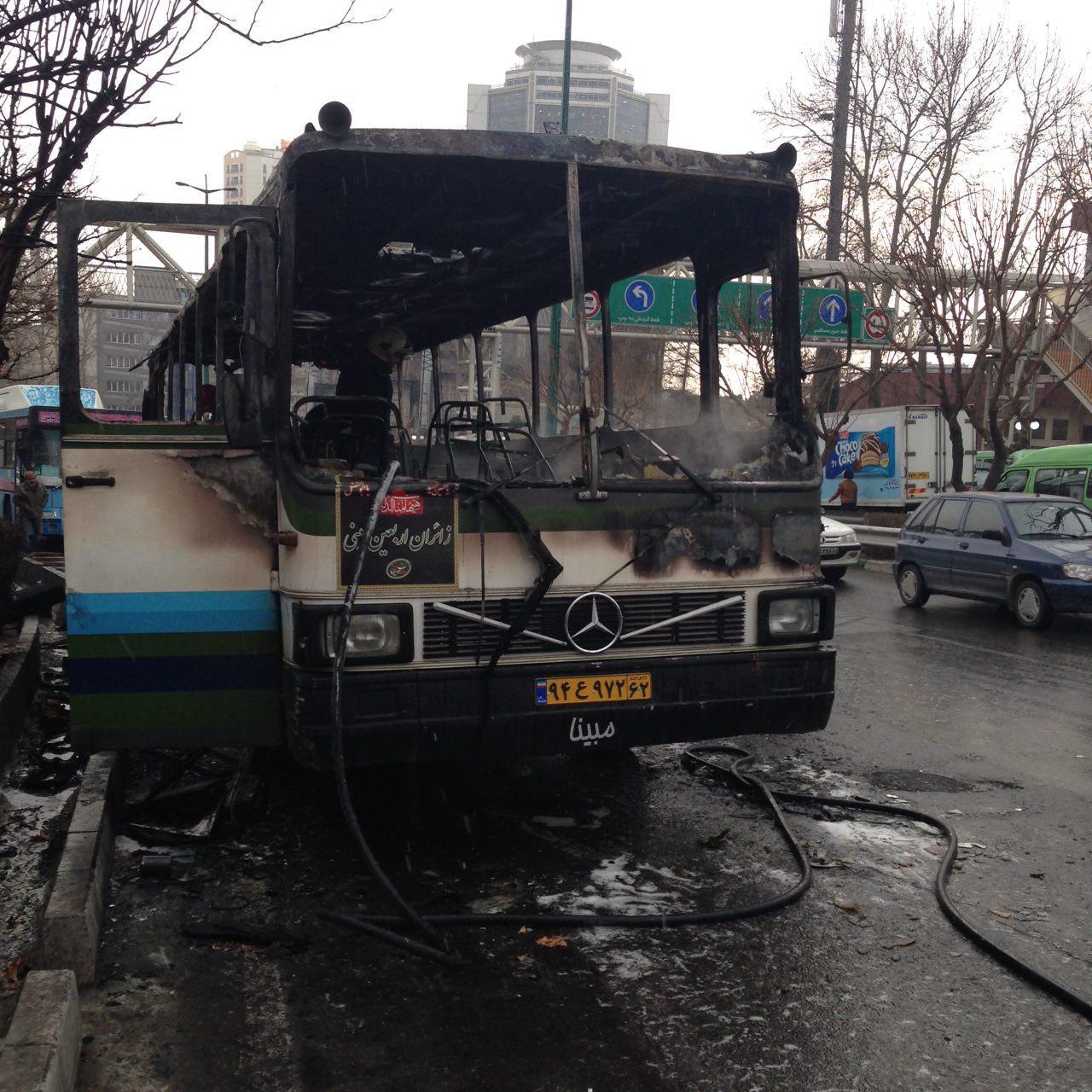 آتش گرفتن اتوبوس در خیابان ولیعصر (عج)