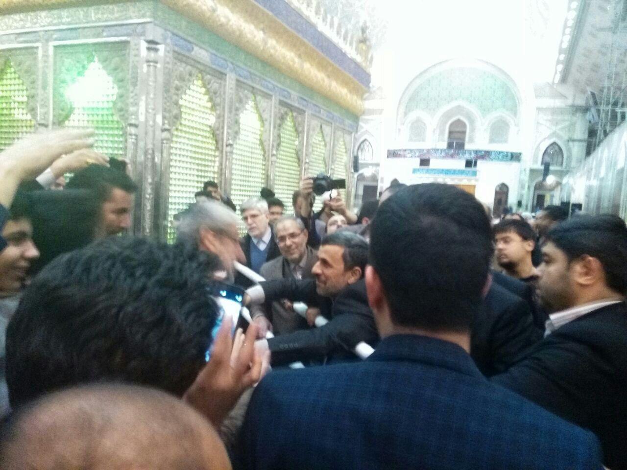 احمدی نژاد با بقایی به حرم امام رفت/سیدحسن خمینی از او استقبال نکرد