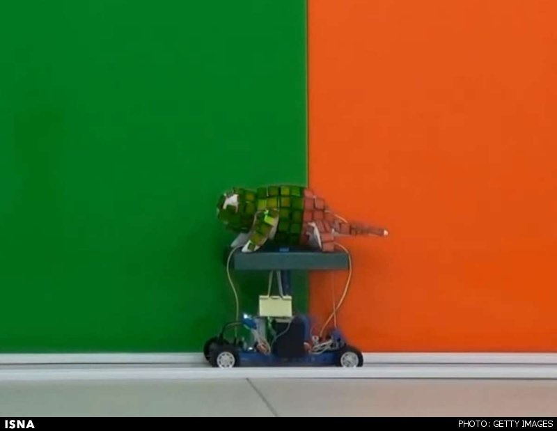 آفتابپرست رباتیکی که تغییر رنگ میدهد