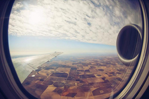 چرا پنجره هواپیماها گرد است؟