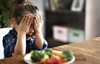 تغذیه کودک به زور اشتهاآورها