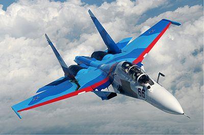 وزیر دفاع: ایران از روسیه جنگنده سوخو می خرد/ تکذیب خرید هواپیمای جنگی از چین