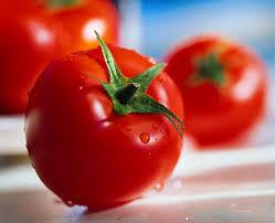 برای خوش فرم شدن عضلات گوجه فرنگی بخورید