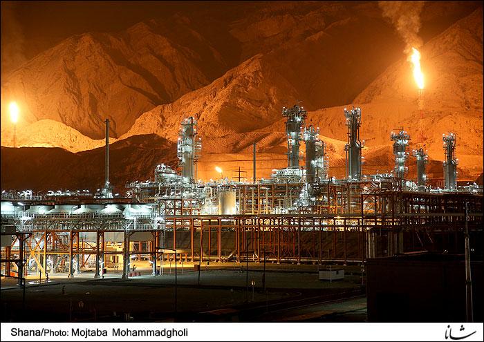 تحریم ها باعث شد کار با قیمت و زمان بیشتری انجام شود/ تا آخر دولت روحانی، ایران از قطر جلو می زند