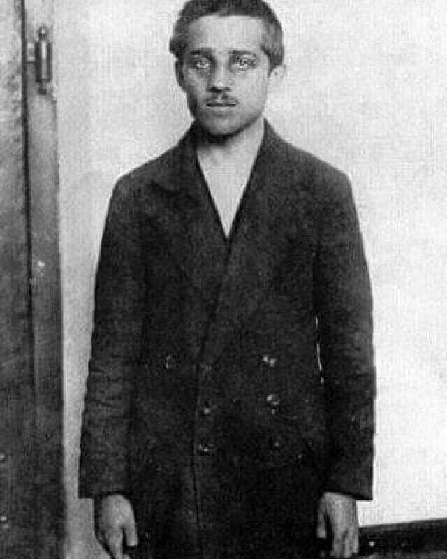 این شخص عامل اصلی شروع شدن جنگ جهانی اول است/ یک کار خوب در روز عروسی/ تبریک تلخ برای برداشته شدن تحریم ها